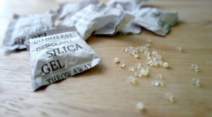 Silica gel pack to reduce moisture